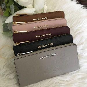 Michael Kors jet set LG three quarter zip wallet